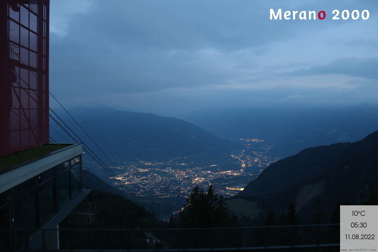 Merano 2000 - Panoramic view of Merano and the horse race course